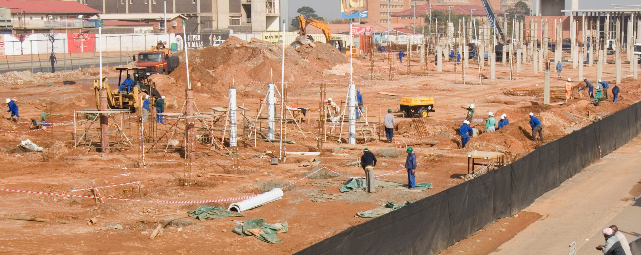 Contractor - Sepogwane Projects - Building - Road - Swimming Pool - construction - paving - landscaping - drainage systems - tiling - painting
