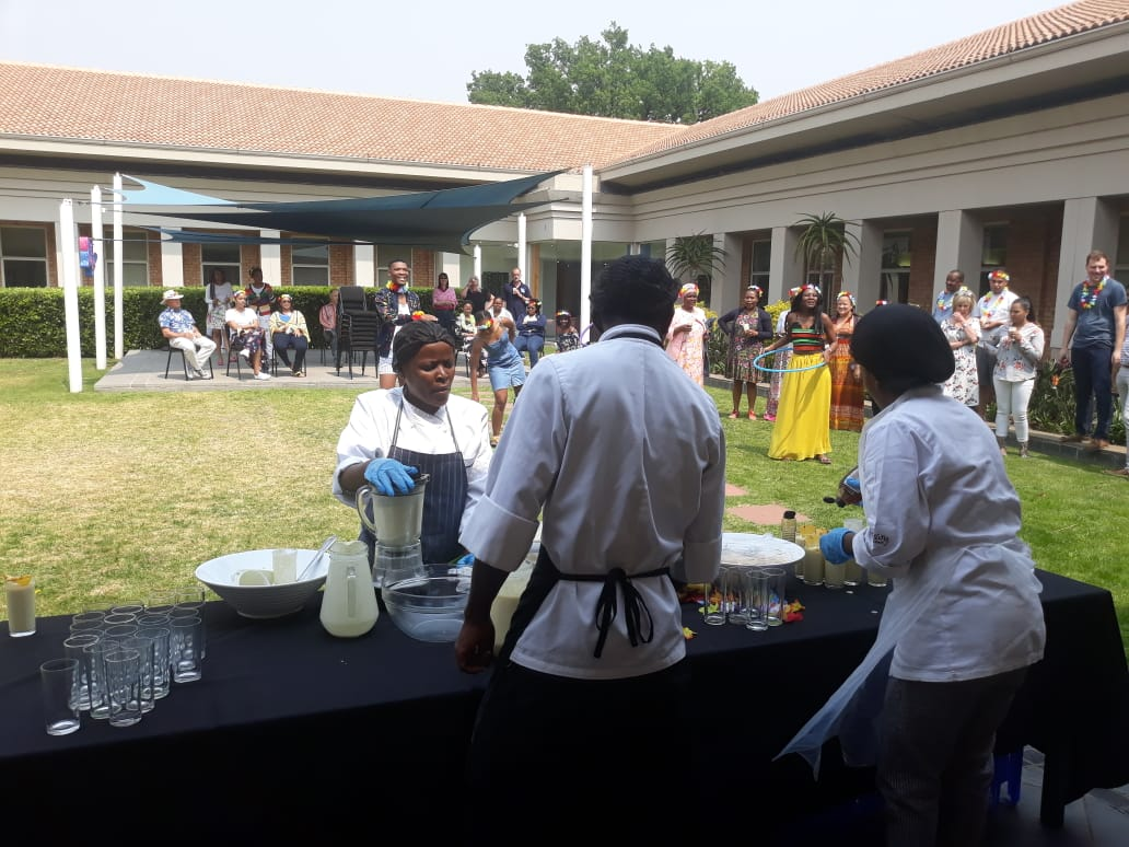 Contractor - Konani Catering Service - Birthday parties - Weddings - Baby showers - Picnics - Cooperate business meetings - events - Chef hire